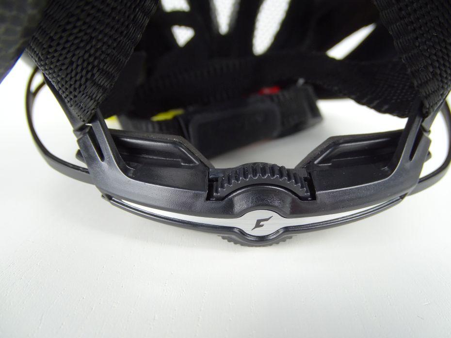 Cratoni Pacer Test Drehrad zur Einstellung des Kopfringes